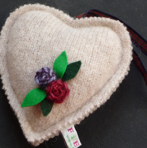 Knitted heart500