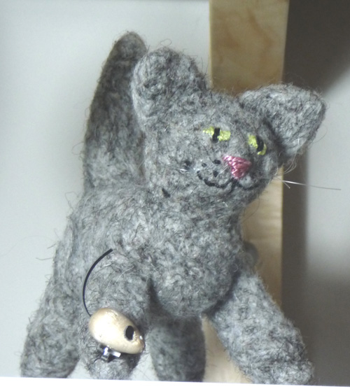 Needlefelt kitten