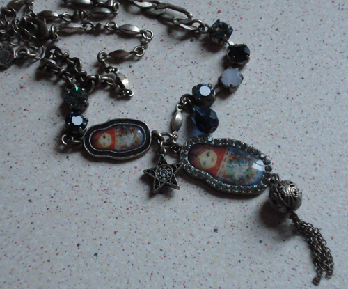 Russian_doll_necklace0001